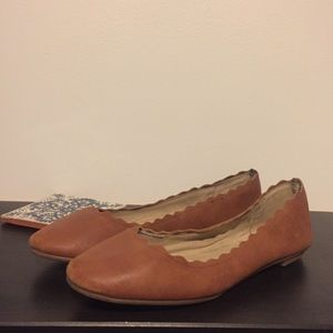 Kelly & Katie scallop-edged flats